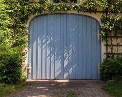 R & L Overhead Doors